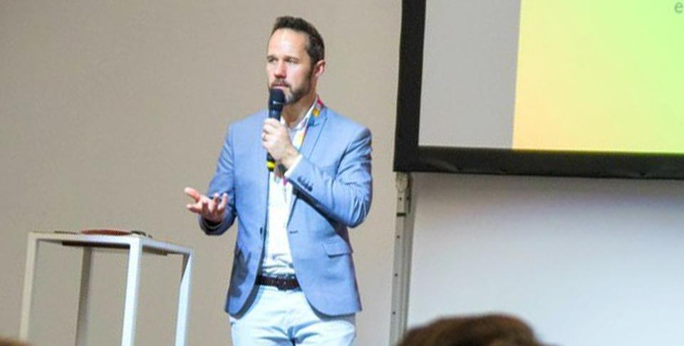 Arnaud Delanoy signe la création de SIGN&SENS, après un test en couveuse d'entreprise