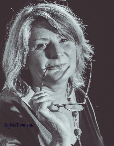 Sylvie Bonneau prépare sa yourte et ses cabanes pour cet été.